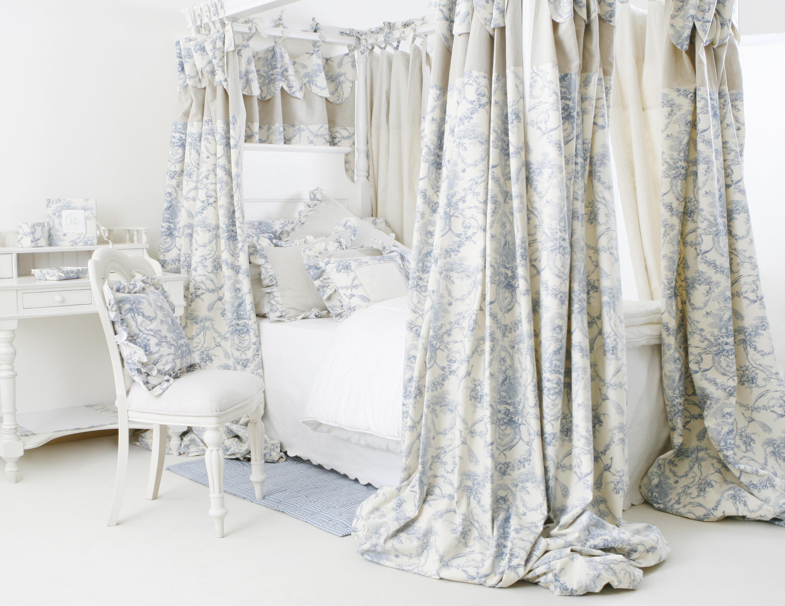 elisa gassert lit baldaquin pour fille elisa gassert. Black Bedroom Furniture Sets. Home Design Ideas
